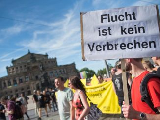 Demonstration in Dresden zur Flüchtlingspolitik. Foto: Arno Burgi