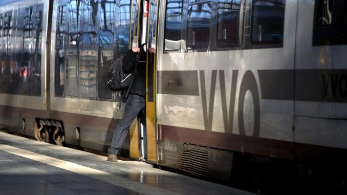 Verkehrsverbund erhöht die Preise. Foto: Arno Burgi/Archiv