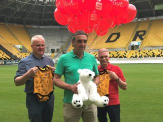Dynamo-Geschäftsführer Ralf Minge (Mitte) kehrt nach einer Auszeit zurück. (Foto: Oliver Carstens)