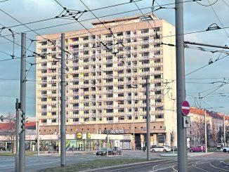 Die Miete war günstig – das Wohnen jedoch oft eine Zumutung im Hochhaus am Pirnaischen Platz. Foto: Thessa Wol