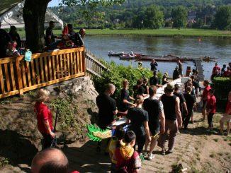 Zum Tag der offenen Tür im Verein Kanusport Dresden e. V. am 1. Mai findet eine traditionelle chinesische Drachenboottaufe statt. (Foto: Verein Kanusport Dresden e. V.)