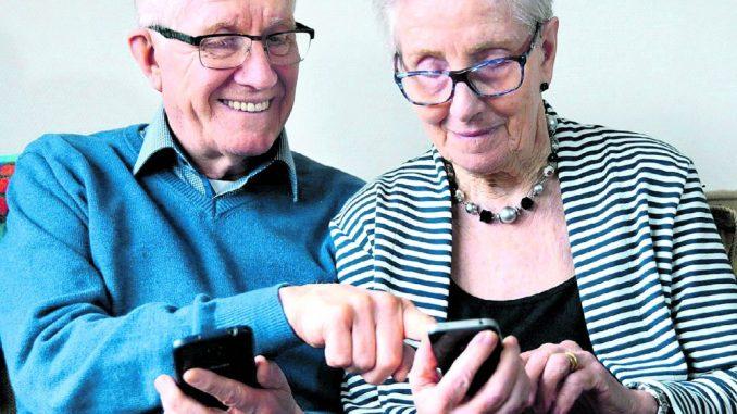 Senioren holen sich gern auch per Telefon Rat und Hilfe.