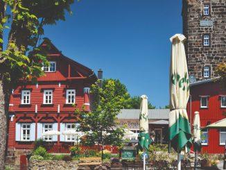 """Das Wanderbuch """"Sächsische Bergbauden"""" führt durch Sächsische Schweiz und Co."""