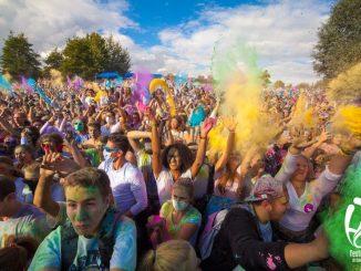 Es wird bunt beim Holi Festival of Colours! Foto: PR