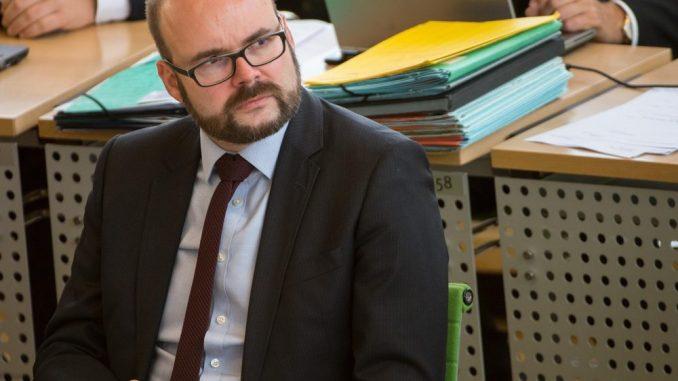 Christian Piwarz nimmt an der Sitzung des Sächsischen Landtags teil. Foto: Monika Skolimowska/Archiv