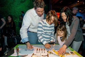Spaß für alle Familienmitglieder - auch etwas Kunde der Archäologie zeigt die Dinoworld Ausstellung. (Foto: Rainer Christian Kurzeder)