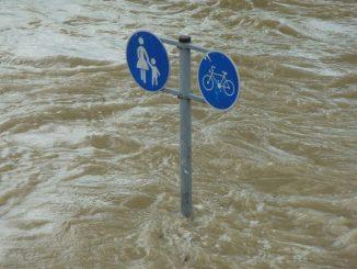Spende für Hochwasser-Opfer