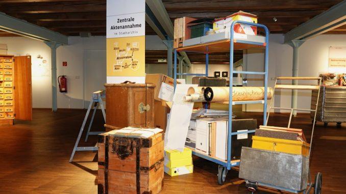 "Ausstellung ""Verpacktes Wissen - Wir konservieren Stadtgeschichte"""
