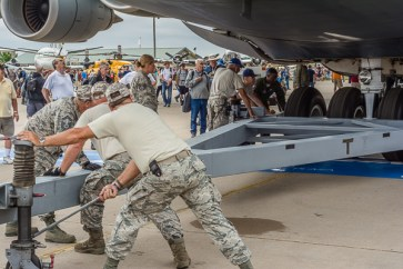 How to move a C-5 Super Galaxy