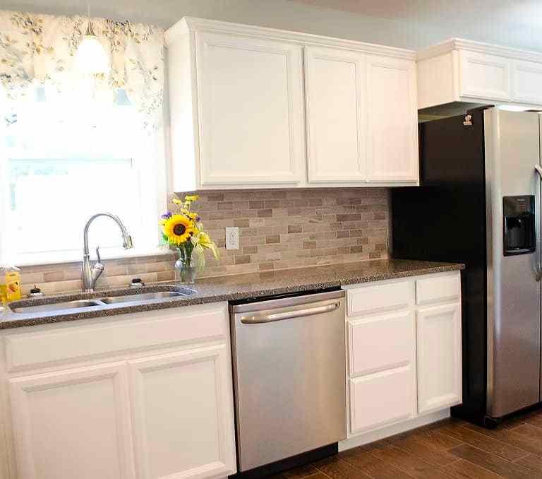 Dawson Retreats near Missouri star quilt co hotel townhome kitchen