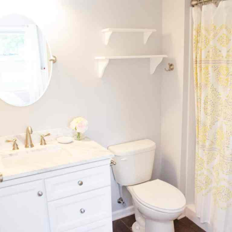 Dawson Retreats near Missouri star quilt co hotel townhome bathroom