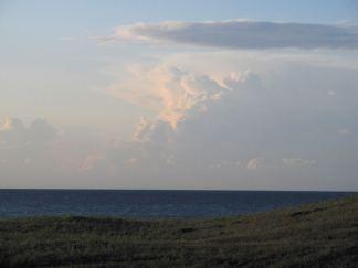 Aftendukkert? store skyer, lidt vind, stadig lunt vejr