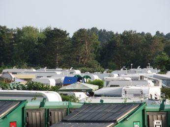 Campingpladsen er fuld - og ingen rører på sig
