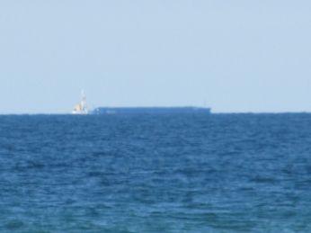 De arbejdende skibe er langt væk