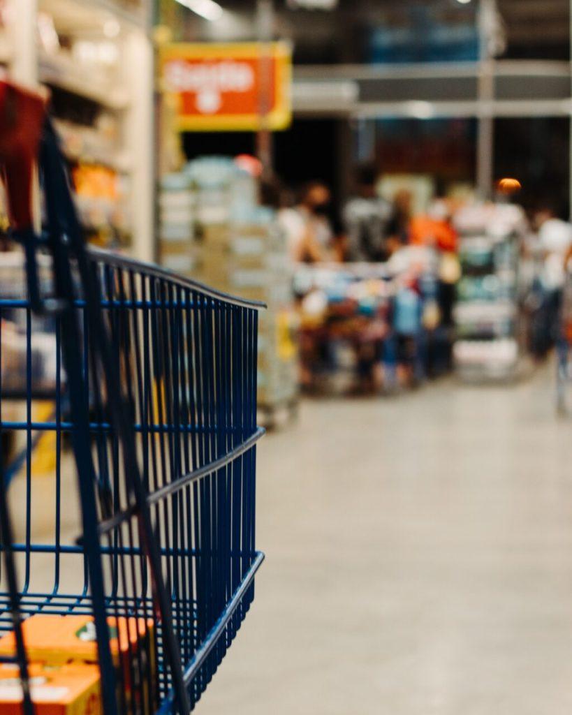 Supermarket perusahaan dagang adalah
