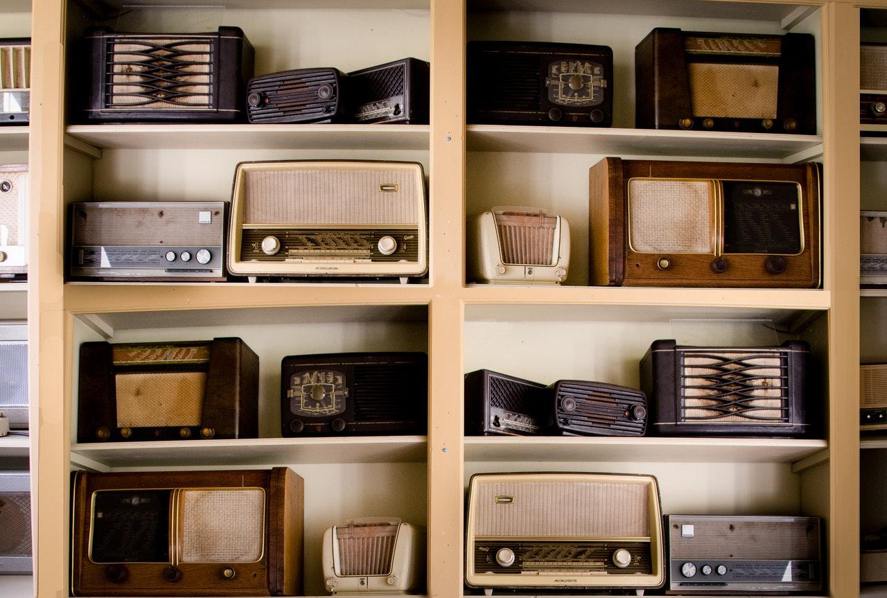 tips bisnis barang antik radio