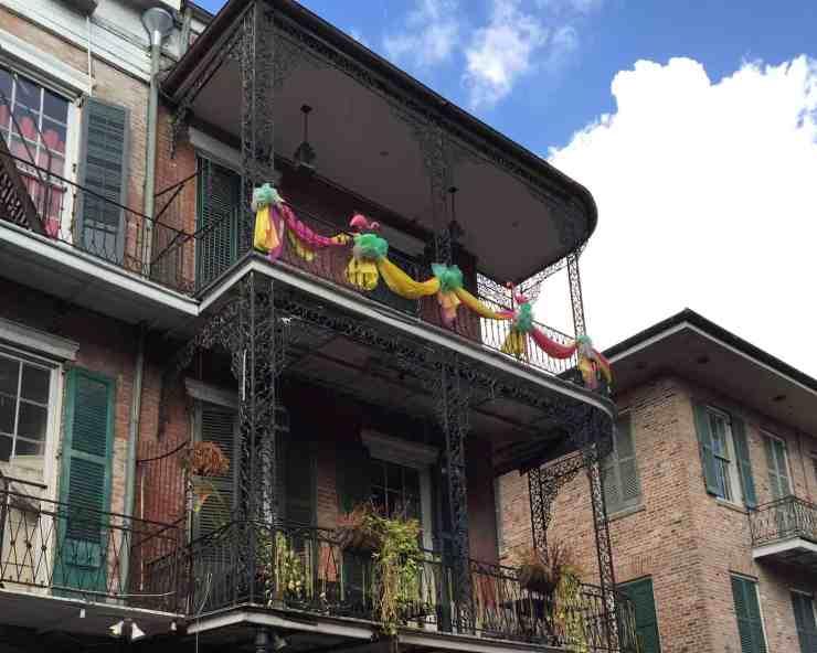 nola-balcony