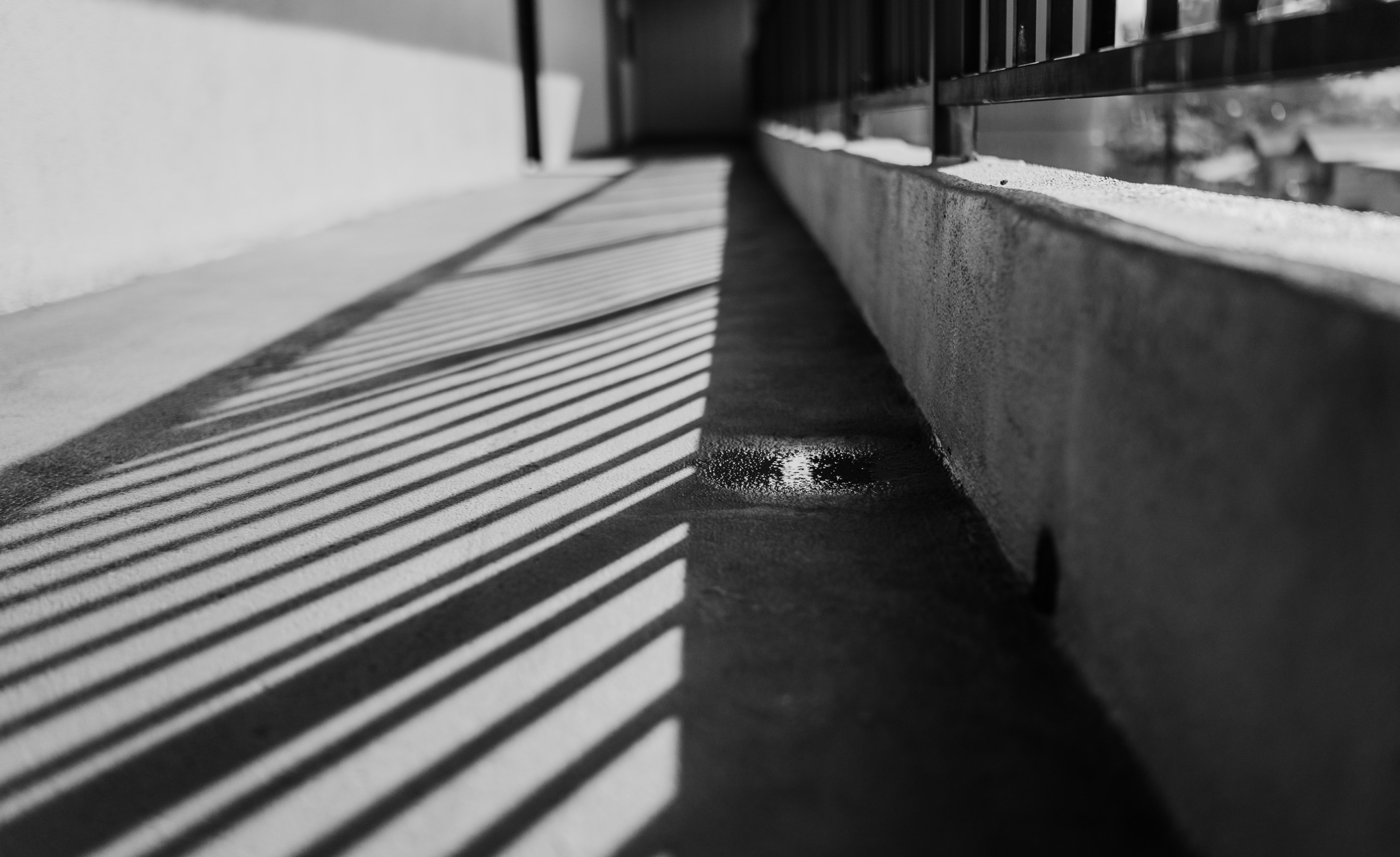 shapes shadows and lines in architecture photography minimal black and white