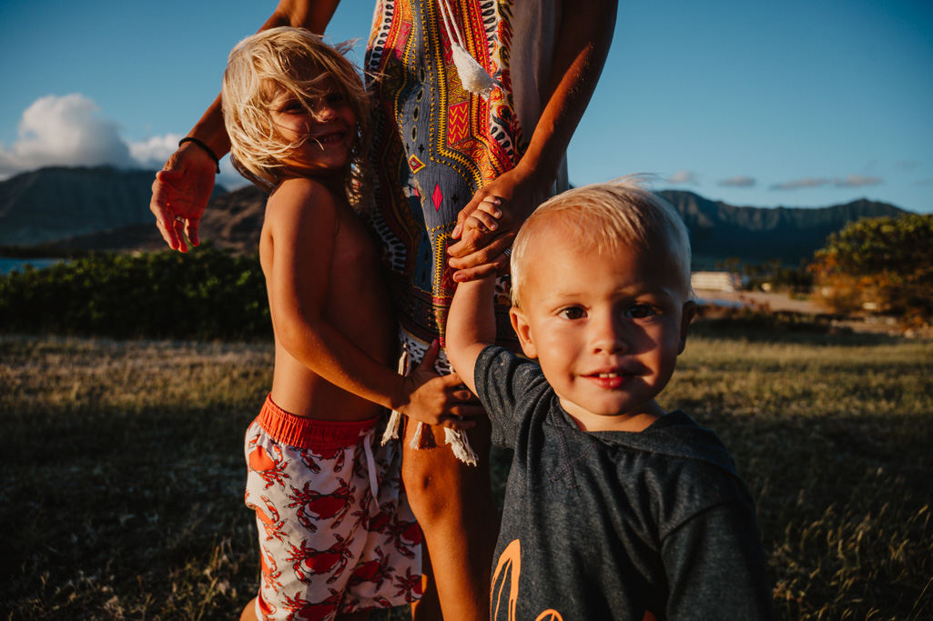children photographer captures mommy and me moments pokai bay