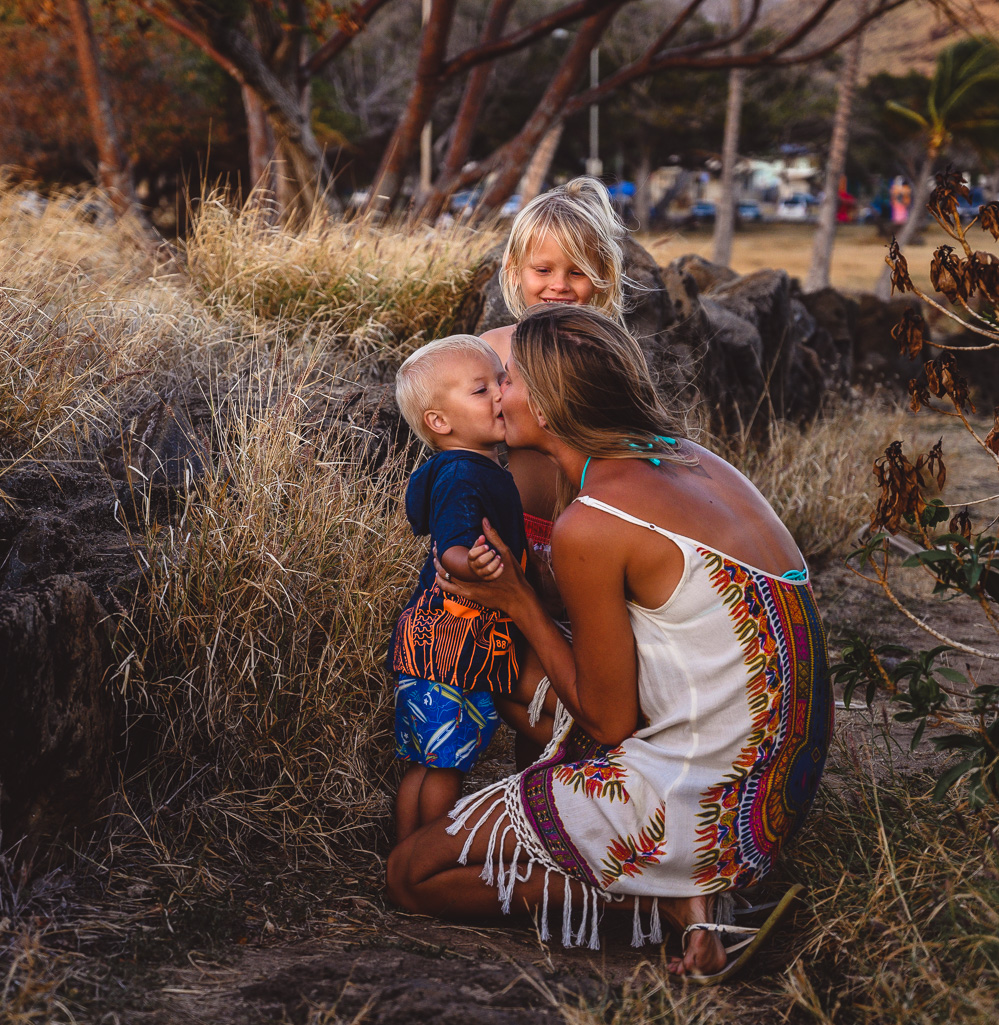 Mommy and me mini adventure family photography session oahu hawaii