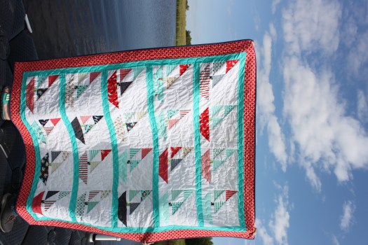 Vertical photo of the Sailboat quilt.