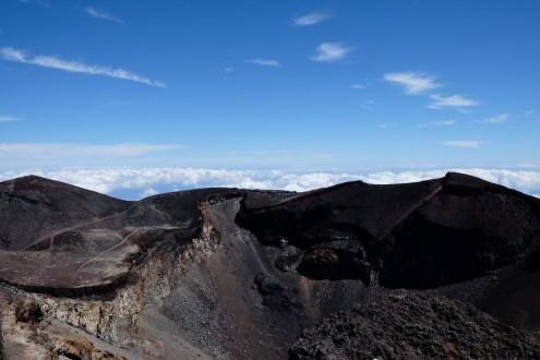 climbing-mount-fuji-mt-fuji-japan-hiking-18
