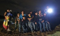 Children crossing US border (click image for larger view)