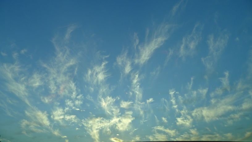 Feathery clouds
