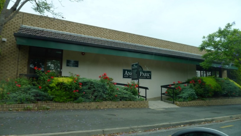The home of Angus Park dried fruit at Angaston. Had we realised there was a shop we'd have stopped.