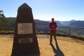 Govett's Leap cairn at the lookout