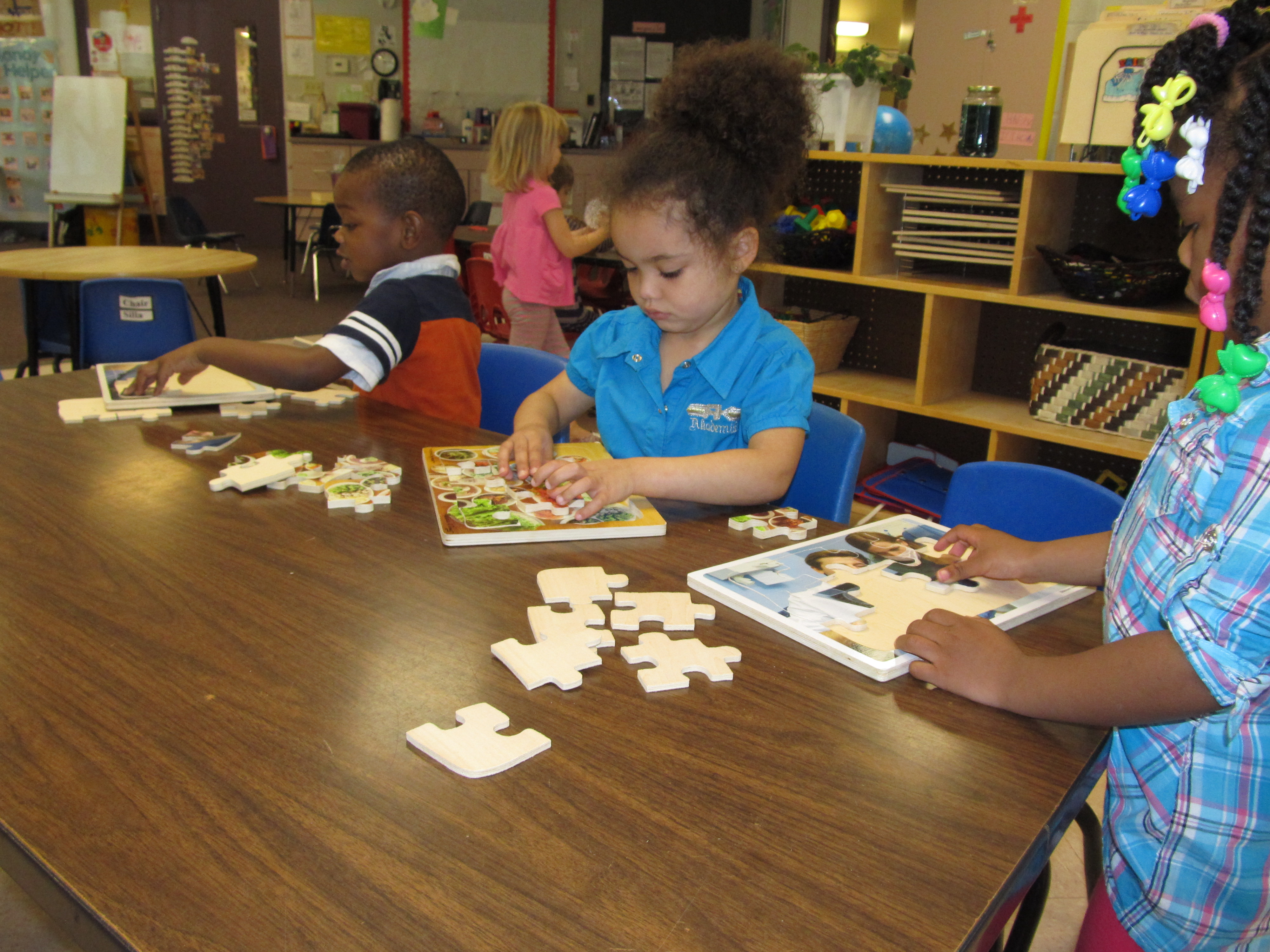 Toddler And Preschool Puzzle Play Aids Spatial Skills