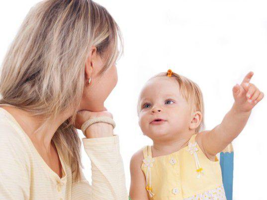 跟嬰兒交談