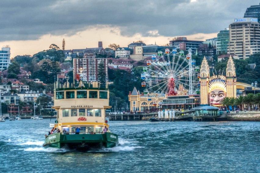 ferry and luna park
