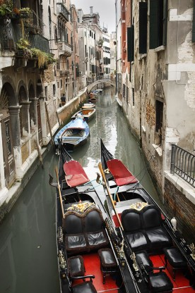gondola-canal
