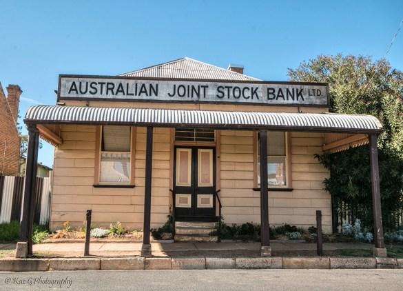 stock-bank-gulgong