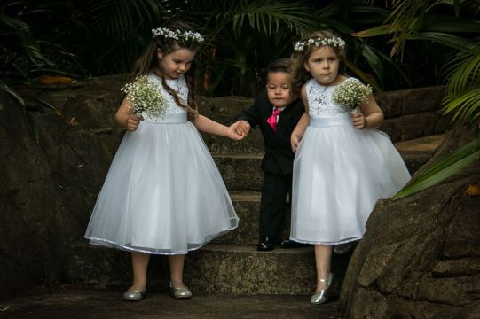 flower girls and boy
