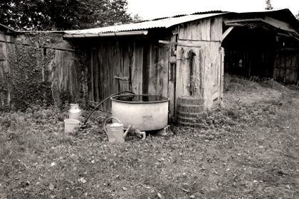 old-rain-barrel
