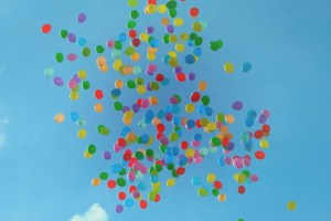 lots of balloons in the sky
