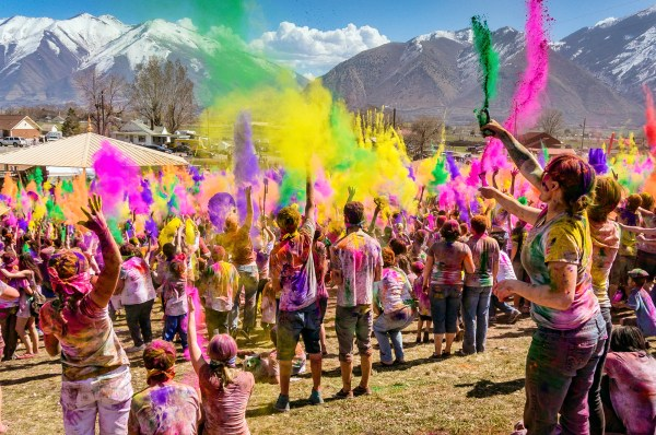 Holi - Wikipedia, the free encyclopedia