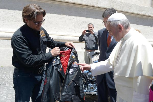 Pope Francis Blesses Bikers - Christian Forums