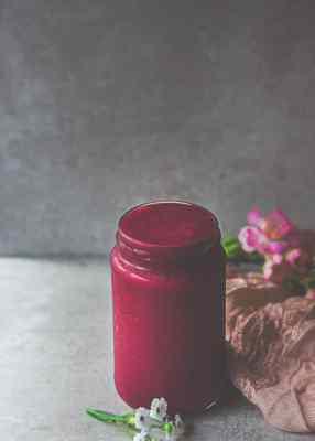 Strawberry, Beet, Ginger Smoothie