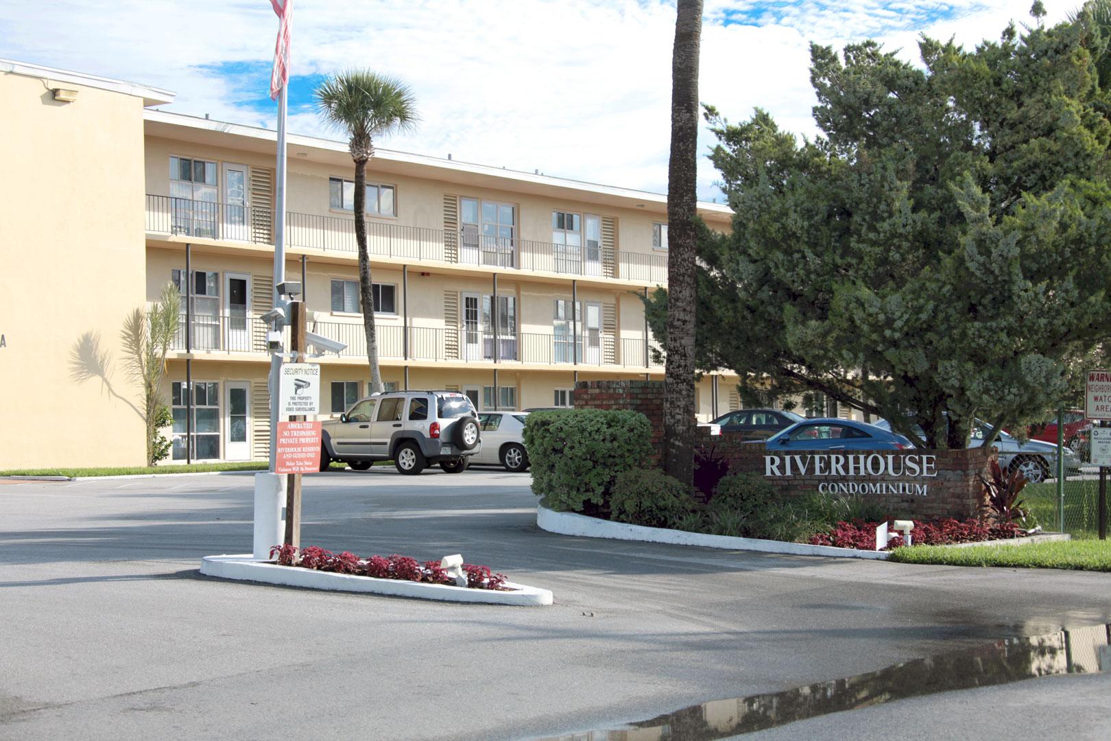 Daytona Condos River House Condominiums In Daytona Beach