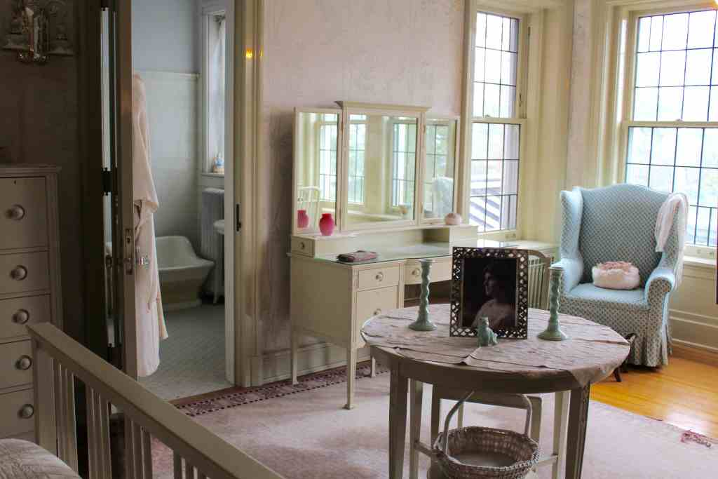 Girls Room at the Glensheen Mansion in Duluth