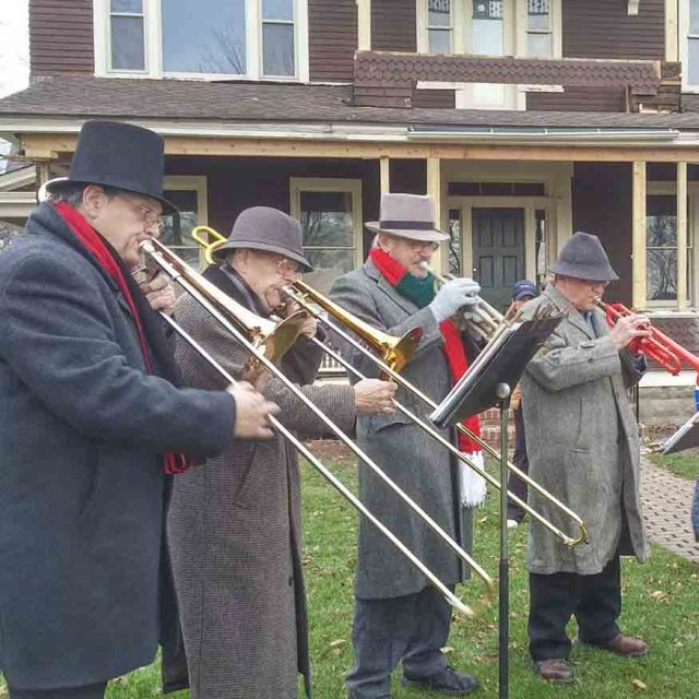 Things to do around Rochester NY: Skaneateles Dickens Christmas