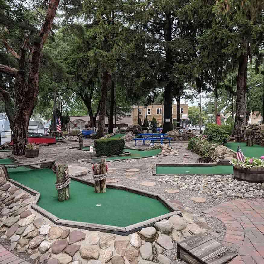 Parkside Whispering Pines Mini Golf