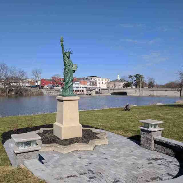 Roadside attractions near Rochester: Statue of Liberty LeRoy NY