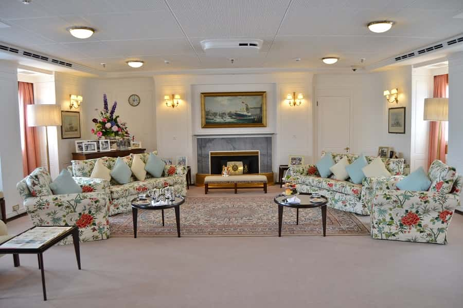 Royal Britannia Livingroom