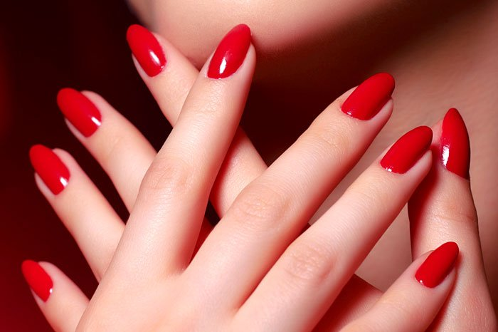The Jesselton Girl Deal: Paint My Nails Red!