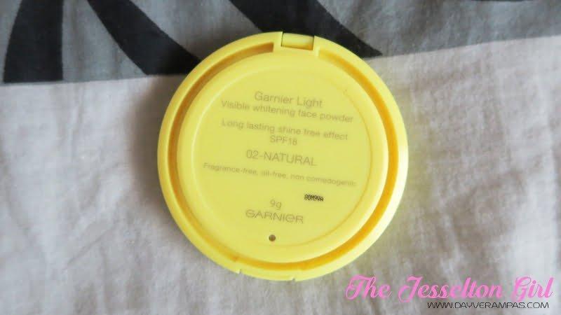 Garnier Skin Naturals Visible Whitening Face Powder Lasting Shine-Free SPF 18
