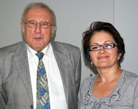 Федеральный председатель Землячества немцев Адольф Феч и председатель региональной группы Ольга Эберт.